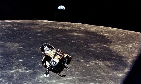 Phát hiện mới về phát ngôn của Neil Armstrong trên mặt trăng