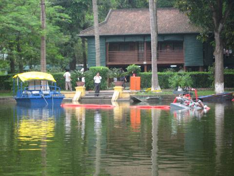 Làm sạch hồ Hà Nội bằng công nghệ Đức