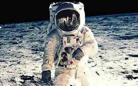 10 lý do nghi người Mỹ chưa từng lên mặt trăng