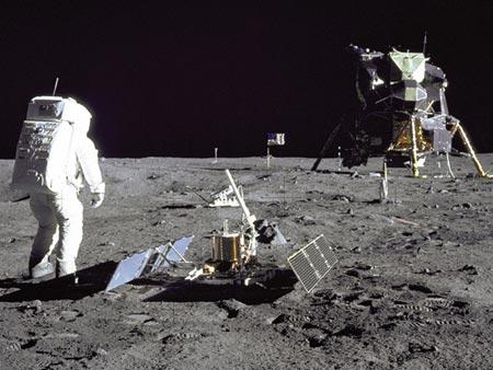 Hành trình chinh phục mặt trăng