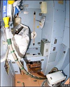 Nhà vệ sinh của trạm vũ trụ quốc tế bị hỏng