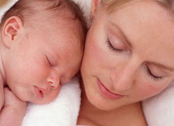 Ngủ đủ - cách giúp bà mẹ giảm cân sau sinh