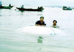 Thuyền thúng phao an toàn cho người đi biển
