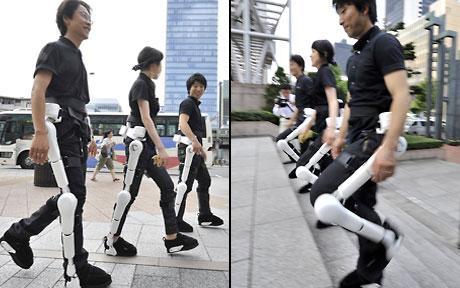 Trang phục giúp người liệt dễ đi lại