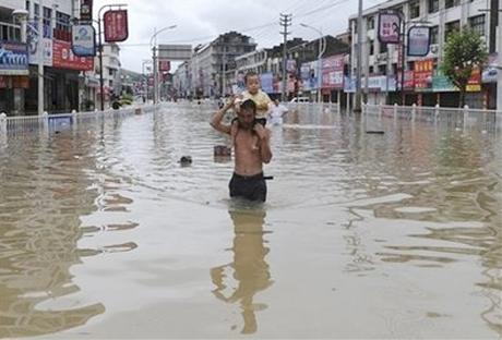 400 người mất tích vì bão ở Đài Loan