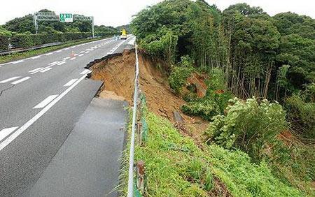 Nhật Bản lại hứng động đất mạnh