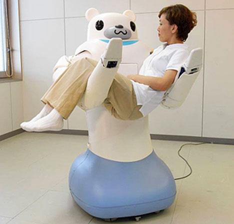 Gấu máy bế người ốm