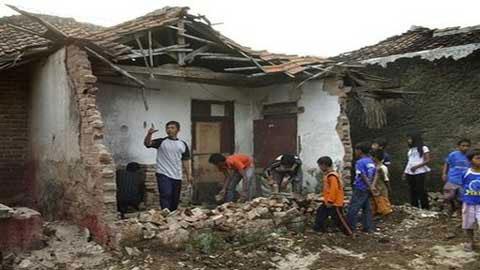 Thương vong, thiệt hại vì động đất ở Indonesia tăng mạnh