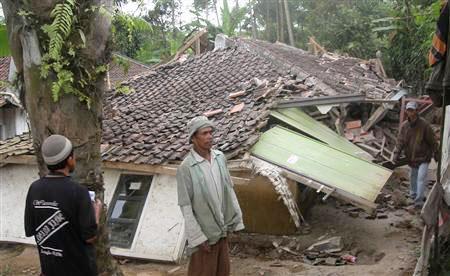 Indonesia, Gruzia, Italia... rung chuyển bởi động đất
