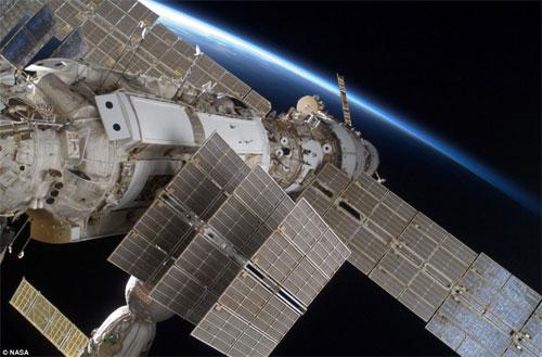 Tàu Discovery rời trạm không gian