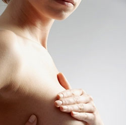 Vì sao phụ nữ lại bị đau núi đôi?