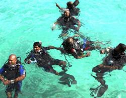 Họp chính phủ dưới nước