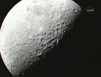 """Nasa: Cú """"bỏ bom"""" Mặt trăng thành công"""