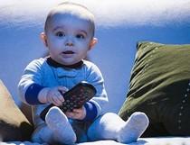 Australia cấm trẻ dưới 2 tuổi xem tivi