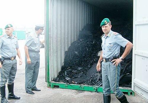 Phát hiện rác độc hại từ Ý xuất sang Việt Nam