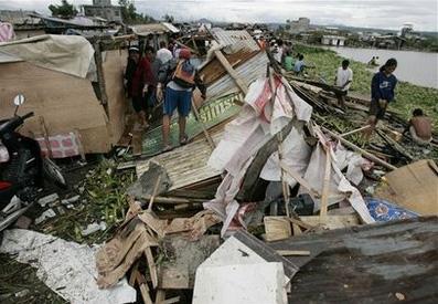 Bão Mirinae tấn công Philippines