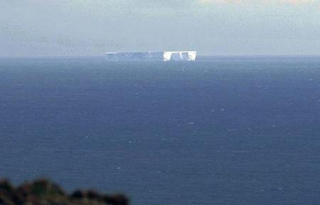 Đảo băng khổng lồ 'đi hoang'