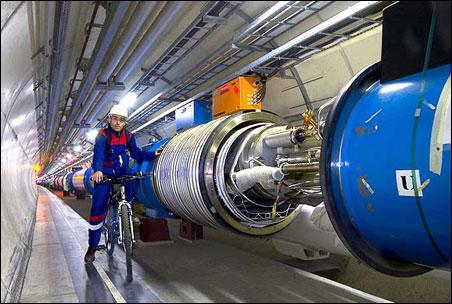 """Cỗ máy lớn nhất thế giới chuẩn bị vụ nổ """"Big Bang"""""""