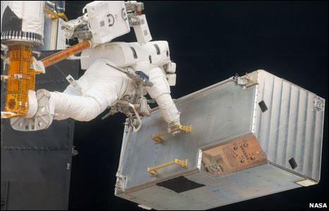 """""""Đôi mắt"""" của Hubble vào bảo tàng"""