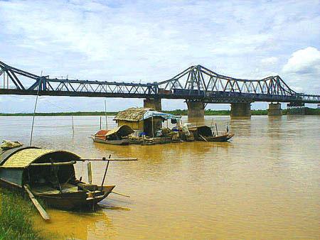 Ẩn họa từ đới trượt cắt sông Hồng
