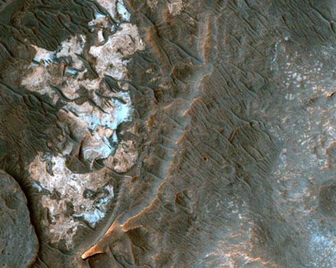 Hành tinh Đỏ từng có khí hậu ẩm ướt và mưa