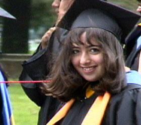 Thiếu nữ 19 thành giáo sư trẻ nhất thế giới