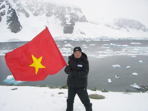 Đoàn thám hiểm Nam Cực của VN về nước