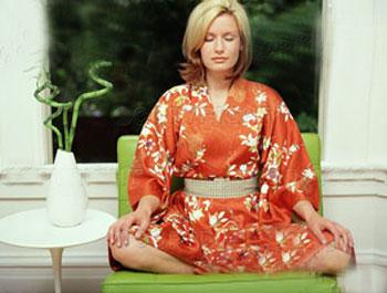 Ngồi thiền có thể giúp giảm huyết áp và áp lực học tập