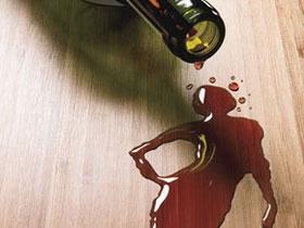 Rượu bia làm tăng nguy cơ tái phát ung thư vú