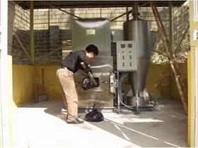 Chế tạo thành công lò đốt chất thải rắn độc hại