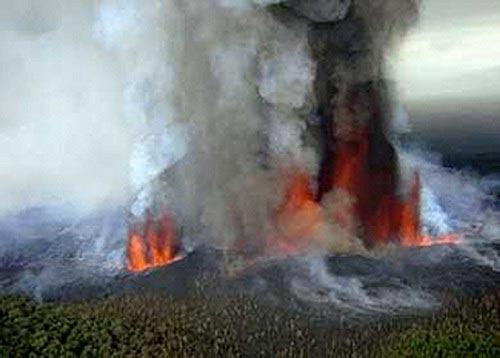 Núi lửa mạnh nhất châu Phi phun trào