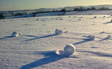 Tuyết tự cuộn tròn thành hình ống