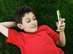Việc nhắn tin giúp trẻ đọc và ghép vần tốt hơn
