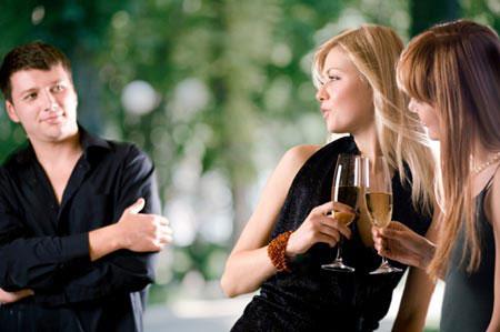 Phụ nữ sợ bị phản bội tình cảm hơn tình dục