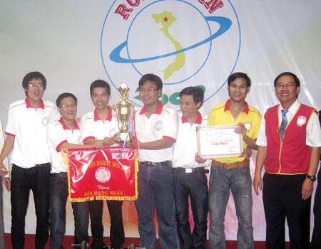 ĐH Bách khoa Đà Nẵng vô địch 'Robot min 2009'