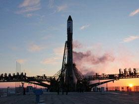 Tàu Tiến bộ M-04M lắp ghép thành công với ISS