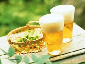 Uống bia giúp xương chắc hơn và bớt rạn gãy