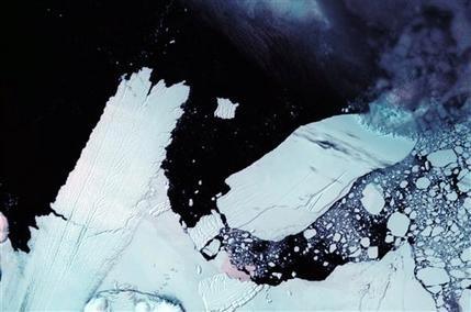 Thêm một tảng băng trôi khổng lồ từ Nam cực