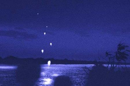 """Hiện tượng """"rồng phun bóng"""" trên sông Mekong"""