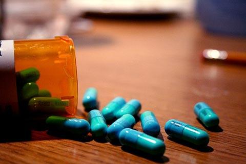 Uống nhiều vitamin tổng hợp dễ mắc ung thư vú?