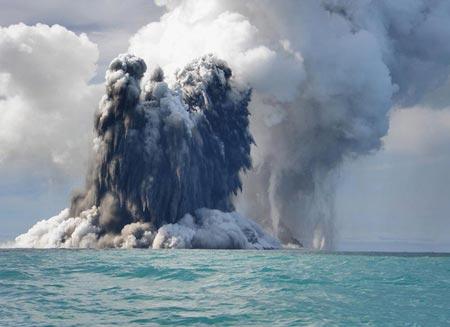 Núi lửa dưới biển đe dọa Italy