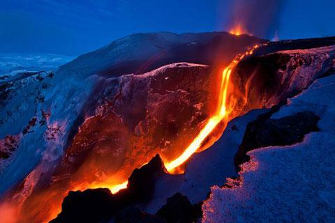 Dòng sông lửa trên băng