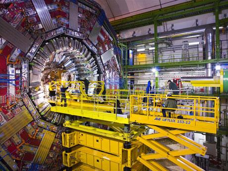 10 triệu vụ nổ trong cỗ máy lớn nhất hành tinh