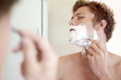 Vi khuẩn trên dao cạo râu nhiều gấp 126 lần bồn cầu