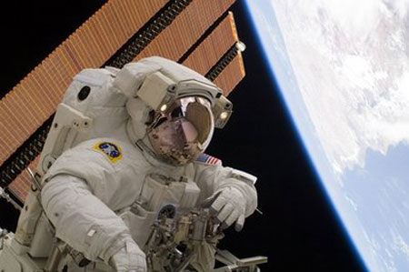 Mỹ công bố chiến lược vũ trụ mới