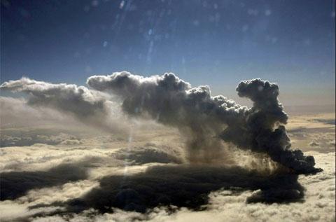Hình ảnh ấn tượng về núi lửa trên băng