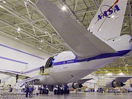Kính thiên văn trên máy bay
