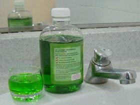 Nước súc miệng có cồn làm tăng nguy cơ ung thư