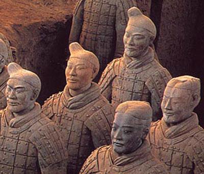 Trung Quốc khai quật hàng trăm binh lính đất sét