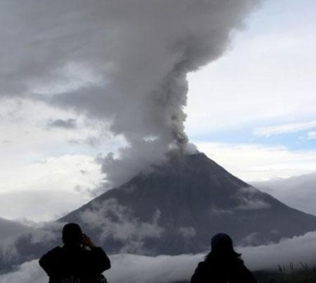 Hai núi lửa cùng tỉnh giấc tại châu Mỹ